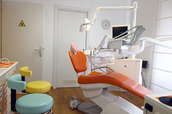 Studio Dentistico Laura Leo - Photo studio - Sala arancio